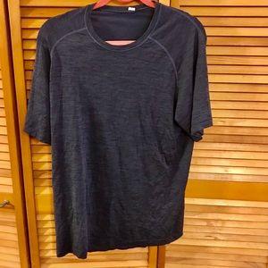 Lululemon Athletica Workout Shirt Size L
